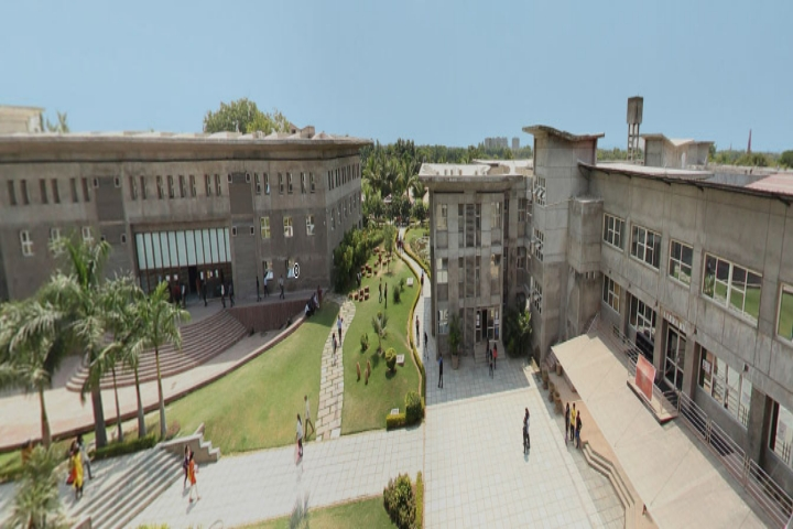 https://cache.careers360.mobi/media/colleges/social-media/media-gallery/1621/2019/1/1/College Bulidding of Unitedworld Institute of Design Ahmedabad_Campus-View.jpg
